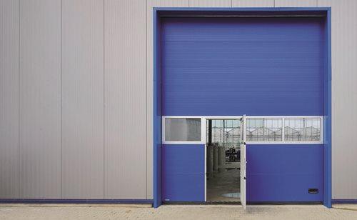 Garagentor mit integrierter tür  Garagentor mit Tür konfigurieren & online bestellen » garagentor24.de